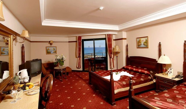 Отель Delphin Palace Deluxe Collection 5*